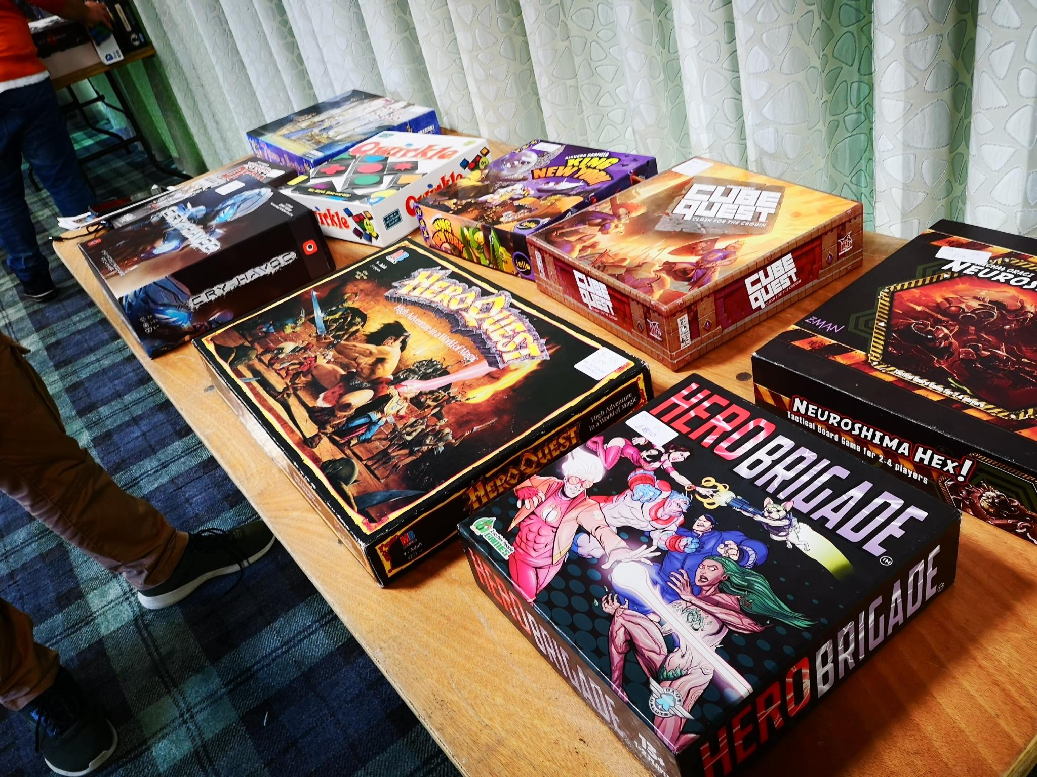 Bring and Buy, including Hero Quest